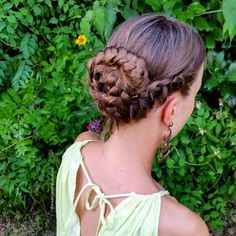 """""""Summer lacebraid bun So today we show you lovely followrs this braid creation, it's so practical for the hot days! Try to do it and use our hastage Hajni #amazinghairbraids"""" Photo taken by @amazinghairbraids on Instagram, pinned via the InstaPin iOS App! http://www.instapinapp.com (07/28/2015)"""