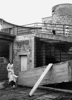 Villa Savoye under construction, architecture by Le Corbusier, in Poissy, France. - Villa Savoye under construction, architecture by. Le Corbusier, Poissy France, Villa Savoye, Pierre Jeanneret, Oise, Alvar Aalto, Paris Ville, Brutalist, Under Construction