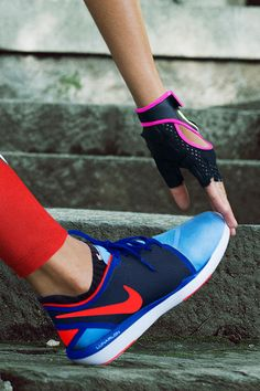 From stretch to sets, stay moving and stay comfortable in the Nike Lunar Sculpt Women's