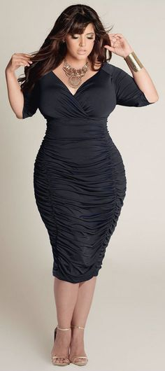 Sexy ruched jersey dress with gold accessories.