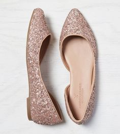 Pink AEO Shimmery Flat If my feet didn't look like hobbit feet Pretty Shoes, Beautiful Shoes, Cute Shoes, Me Too Shoes, All About Shoes, Baskets, Crazy Shoes, Fashion Shoes, Shoe Boots