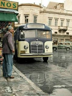 Old bus, Athens, Attica, Greece Greece Pictures, Old Pictures, Old Photos, Attica Athens, Athens Greece, Attica Greece, Greece History, History Of Wine, Kai