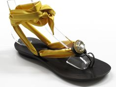 ART. 506 CHOCLIP FOULARD OVALE    Shelight #shoes. Made with #Swarovski elements.