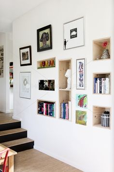 Wall , combo black and white and color items. dimension with built in shelves -- love this idea for a luxe & happy home