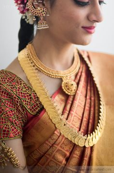 Best Destination Candid Wedding Photography in Chennai, India Silk Saree Blouse Designs, Fancy Blouse Designs, Bridal Blouse Designs, South Indian Bride, Indian Bridal, Kerala Bride, Hindu Bride, Cut Work Blouse, Indian Silk Sarees