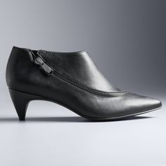 680df770717ea 1640 Best Shoes and boots images in 2019 | Shoes, Bride shoes flats ...