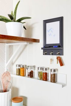 5 Tiny Projects to Make 1 Super Organized Kitchen — Sponsored By Command™ Brand