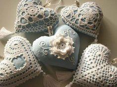 Sachês feitos de crochê