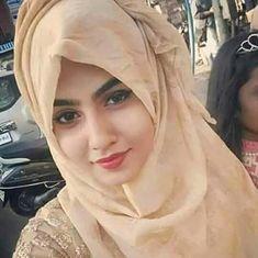 Beautiful Hijab Girl, Beautiful Muslim Women, Beautiful Blonde Girl, Beautiful Girl Image, Islamic Girl Pic, Islamic Girl Images, Arab Girls Hijab, Muslim Girls, Hijabi Girl