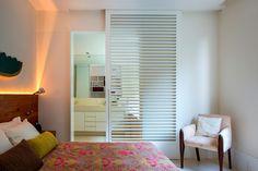 Uma decoração colorida, prática e aconchegante. Veja: https://casadevalentina.com.br/projetos/detalhes/colorido,-pratico-e-aconchegante-525 #details #interior #design #decoracao #detalhes #decor #home #casa #design #idea #ideia #color #cor #casadevalentina #bedroom #quarto #dormitorio