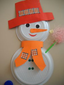 Crafts,Actvities and Worksheets for Preschool,Toddler and Kindergarten.Free printables and activity pages for free.Lots of worksheets and coloring pages. Winter Activities, Preschool Activities, Christmas Door, Christmas Crafts, Snowman Crafts, Paper Plates, Diy For Kids, Coloring Pages, Kindergarten