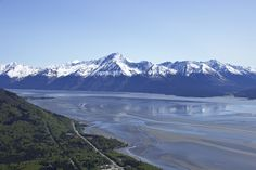 Visiting or live in Alaska and on a budget? Here are some great free things to do in Anchorage. Hiking, parks, markets, historic sites, arts and more!