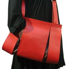 Dutch Design Bag by Maria Hees. Love the versatility and it's cute too!
