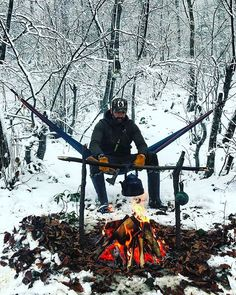 Desayuno del jefe...  . . Foto from: @overthefirecooking -  The boss @spart4nn waiting for his coffee   Credit: @spart4nn #overthefirecooking . . . #coffee #campfire #campfood #fire #firecooking #breakfast #morning #outdoors #outside #bushcraft #bushcrafting #getoutside #camping #hiking #trekking #camplife #campvibes - #regrann #insta #saturday #weekend #instagram