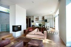 Houzzbesuch: Modernes Wohnen in Einklang mit der Natur Dieses britische Ökohaus ist ein Wohntraum aus Holz und Beton – samt Schwimmteich, einer ruhigen Lage mitten im Wald und Sonnenkollektoren