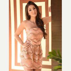 Nosso coração está acelerado por esse 'cocktail dress' ultra feminino e delicado.#reginasalomao #SummerVibesRS #SS17😍😍😍