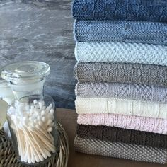 Karen Klarbæks Verden - Danish site but scroll down quite a bit and there's a translate to English button Dishcloth Knitting Patterns, Knit Dishcloth, Knitting Charts, Baby Knitting, Knitted Washcloths, Knitted Afghans, Knitted Blankets, Knit Or Crochet, Chrochet