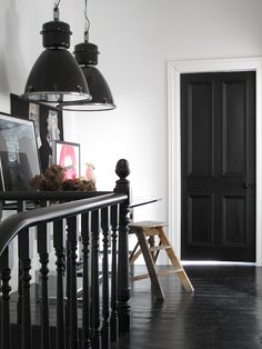 I am obsessed with black doors white walls. would like to do this in the hallway/entry way. I think it will look great next to the gray living room Loft Stairs, Under Stairs, Light Grey Walls, White Walls, Monochrome Interior, Interior Design, Interior Door, Industrial Workspace, Recessed Light Covers