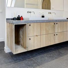 Afbeeldingsresultaat voor landelijke badkamers Double Vanity, Floating Shelves, Cabinet, Storage, Furniture, Home Decor, Interior Ideas, Google, Bathrooms