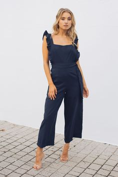 Esther Boutique, No Frills, Stretch Fabric, Hemline, Outfit Of The Day, Cool Outfits, Jumpsuit, Model, Closet
