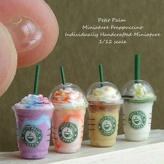Miniature Frappuccino ♡ ♡ By petit palm Fimo Kawaii, Polymer Clay Kawaii, Polymer Clay Charms, Miniature Crafts, Miniature Food, Miniature Dolls, Barbie Food, Doll Food, Doll Crafts