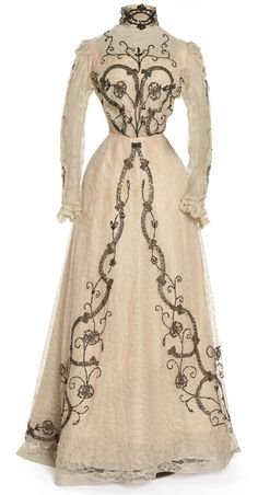 Dress owned by Cléo do Mérode  1900-1902  Les Arts Décoratifs - This is wicked vintage. Remove the sleeves ans this couls almost pass for an Alexander McQueen piece!