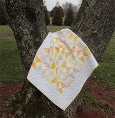 Baby Quilt Kit Hour Glass  Yellow and White by PebbleCreekArts