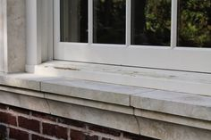 Are you looking for the best natural stone window sills for outdoor projects? Learn the best stones and get the exterior window sills ideas! Bathroom Window Sill Ideas, Exterior Window Sill, Marble Window Sill, Window Jamb, Kitchen Window Sill, Stucco Exterior, Window Trims, Window Sill Replacement, Precast Concrete