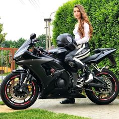 Black and white riding leathers Motorcycle Suit, Motorbike Girl, Lady Biker, Biker Girl, Women Drivers, Sweet Jeans, Promo Girls, Ride Out, Cafe Racer Girl