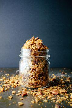 Vanilla Bean & Espresso Granola | Vegetarian Ventures