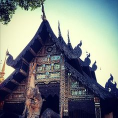 วัดเจดีย์หลวงวรวิหาร (Chedi Luang Varavihara Temple) - Chiang Mai, Thailand