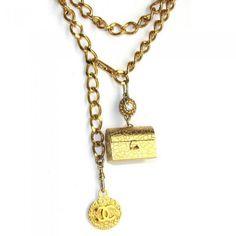 CHANEL, collier 2 rangs ou sautoir en métal doré vintage