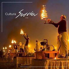 #SabiasQué Maha Kumbh Mela.Es la mayor celebración religiosa que se realiza en la India a las orillas del río Gangues los Hindúes creen que al sumergirse en estas aguas purifican todos sus pecados y las de 88 generaciones precedentes.#cultura #hinduismo #purificación #energías