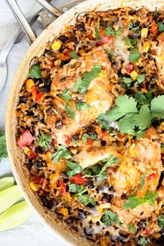Healthy One Pan Mexican Chicken and Rice Recipe Mexican Chicken And Rice, Chicken And Rice Dishes, Black Bean Chicken, Chicken And Brown Rice, One Pan Chicken, Italian Recipes, Mexican Food Recipes, Ethnic Recipes, Rice Recipes