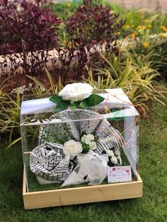 Wedding Hamper, Wedding Gift Baskets, Wedding Gift Wrapping, Wedding Gift Boxes, Wedding Ring Box, Wedding Keepsakes, Wedding Crafts, Diy Wedding, Diy Gift Box