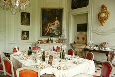 https://flic.kr/p/qY3Szn | 2014 Séjour L'Etang Villarceaux (34) | La Salle à manger et le portrait de Madame de Maintenon par Louis de Mornay (Marquis de Villarceaux)