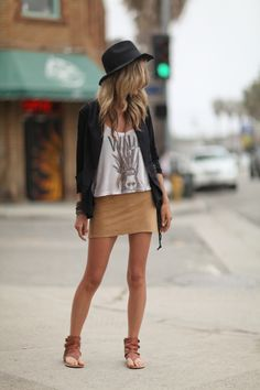 I want this entire outfit Unique Fashion, Boho Fashion, Fashion Looks, Fashion Design, New Outfits, Fall Outfits, Fashion Outfits, Surf Girl Style, Stylish Hats