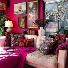 Magenta, Hot Pink, & Fuchsia Spaces Making Us Mega Swoon — firefly+finch Living Room Decor, Living Spaces, Bedroom Decor, Magenta Walls, Maximalist Interior, Deco Studio, Home And Deco, Eclectic Decor, Quirky Decor