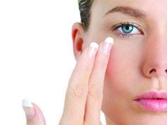 Doğal Göz altı kremi   Suna Dumankaya  hem daha zinde hem de daha genç  görünmek için evinizde kolaylıkla hazırlayabileceğiniz doğal gözaltı...