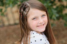 leichte Frisuren - einige Herzchen auf dem Kopf von dem kleinen Mädchen