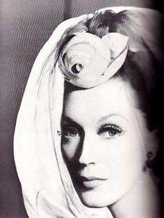 Dovima by Richard Avedon, Harper's Bazaar, Sept. 1958