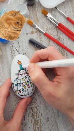 Rock Painting Patterns, Rock Painting Ideas Easy, Rock Painting Designs, Rock Painting Kids, Stone Art Painting, Pebble Painting, Pebble Art, Pebble Stone, Mandela Rock Painting