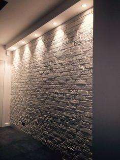 Mieszkanie prywatne w Lublinie #dom #wnętrze #salon #biel #misticlighting #ściana