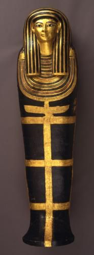 """Coffin and mummy of Henut-Wedjebu 1391–1350 BC. Hatiay's similar coffin is now in the Egyptian Museum in Cairo. Henut-Wedjebu was """"Mistress of the House and Songtress of Amun"""" in the temple of Amun in Karnak. She was probably married to Hatiay, the """"Scribe and Granary-Overseer of the Mansion of Aten,"""" in whose tomb this coffin was found."""