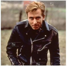 Tim Roth on the set of Murder in the heartlands