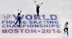 Gracie Gold, center, thanks the crowd following a ladies practice session prior to the World Figure Skating Championships in Boston, Monday, March 28, 2016. Mao Asada, right, of Japan, and Satoko Miyahara, also of Japan, look on. (AP Photo/Charles Krupa) (1014×542)