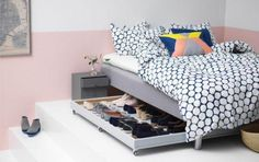 Need some storage ideas for your small bedroom? These are my 5 best small bedroom storage ideas that are easy to try and renter-friendly. Ikea Shoe Storage, Under Bed Shoe Storage, Shoe Storage Solutions, Small Bedroom Storage, Hidden Storage, Storage Drawers, Clothes Storage, Shoe Organizer Under Bed, Shoe Storage Marie Kondo