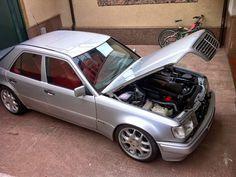 Mercedes E 500, Classic Mercedes, Mercedes Benz Cars, Mercedes Wallpaper, Commercial Van, Bmw E36, Custom Cars, Vans, Friends