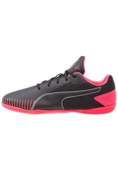 1877bad28c0 ¡Consigue este tipo de zapatillas fútbol de Puma ahora! Haz clic para ver  los