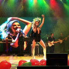 (2) #TourLoveCuritiba - Busca do Twitter